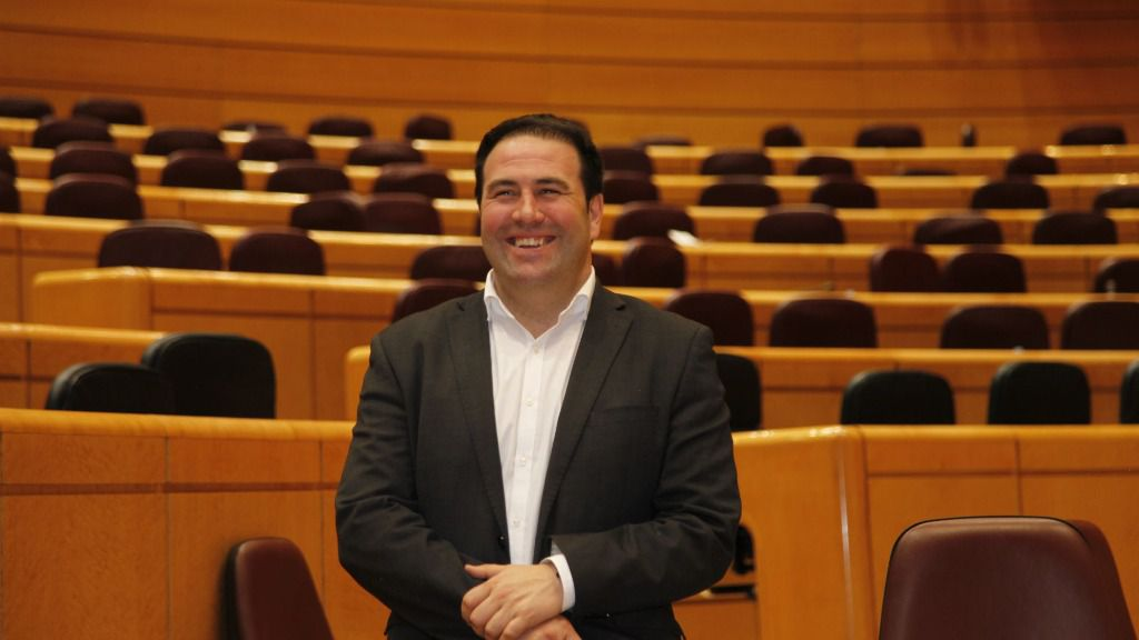 Jon Inarritu, senador de EH Bildu: Algunos grupos políticos y mediáticos intentan criminalizar la alegría de familiares y amigos al recibir a ex miembros de ETA