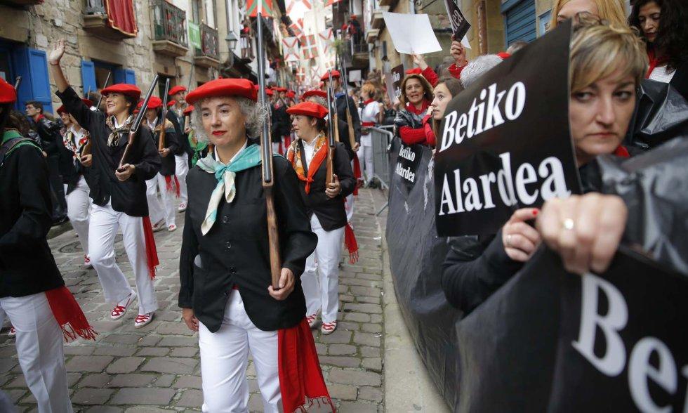 El Alarde según El Diario Vasco, conflicto de tradición e identidad